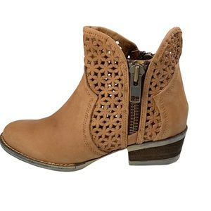 Corral Circle G Tan Lazer Cutout Booties